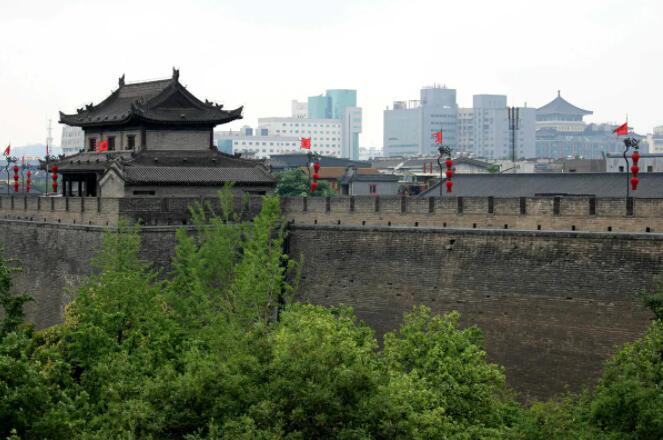 西安古城墙.jpg